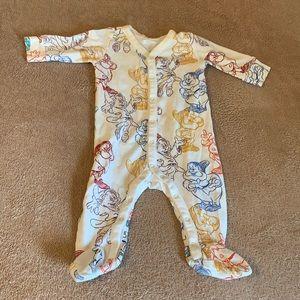Baby Gap Seven Dwarfs PJs 0-3 months